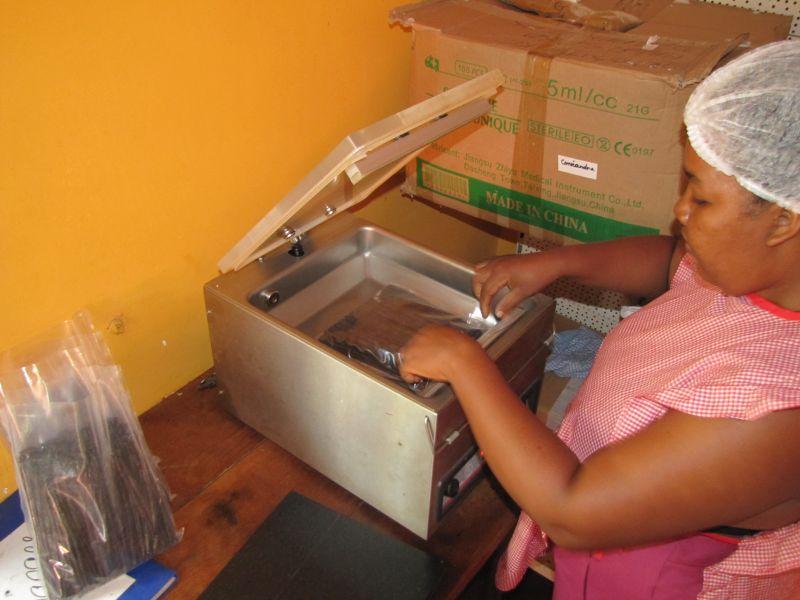 Préparation de votre commande à l'atelier Domaine de Florette à Diego-Hely