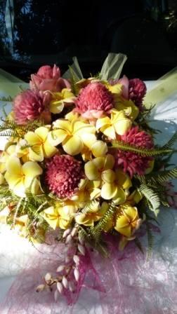 Les compositions florales du Domaine de Florette Téléphone 261 32 02 061 79